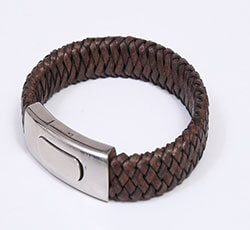 oval-braided-leather-bracelet